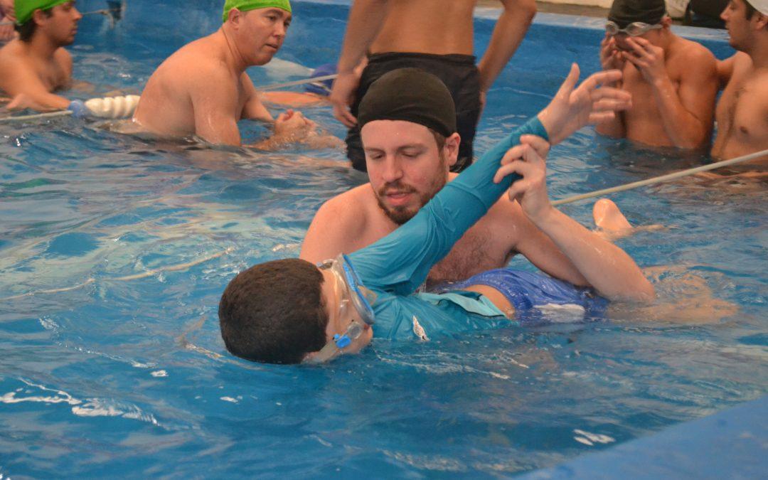La actividad física y el comportamiento social de jóvenes con TEA